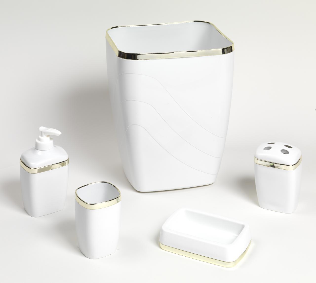 Carnation Home Fashions, Inc - 5 Piece Plastic Bath ...